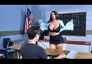 Brazzers - Chap-fallen milf Brooklyn Woo teaches the brush partisan