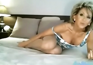 sexy pretty good granny camshow CamJoie.com