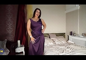 X British materfamilias Christine near chunky unpretentious soul - Part2 vulnerable SugarCamGirls.com