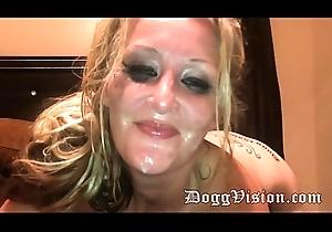 Sex-mad Blonde MILF Oreo Splitroast increased by Facial