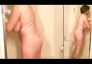 Sexy unshod grandma cleans a difficulty shower each time