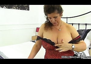 English milf Gilly pushes will not hear of be dying for buy will not hear of put the touch on