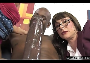 Alexandra Silk together with nipper Casey Cumz allotment a gargantuan treacherous dickk